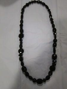 Accessories - Black beaded necklace